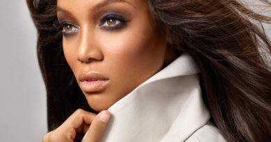 Tyra Banks to Host Women That Soar Awards