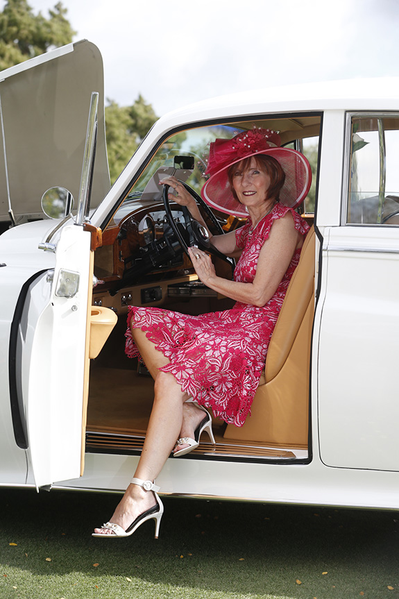 Becky Ward (Maybank) in James Stewart's rare1959Rolls-Royce Silver CloudLong-Wheelbase Limousine, whichwon first place forBritish Classiclast year.
