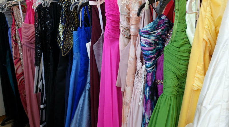 Comerica Bank Taking Donations For Prom Dress Drive